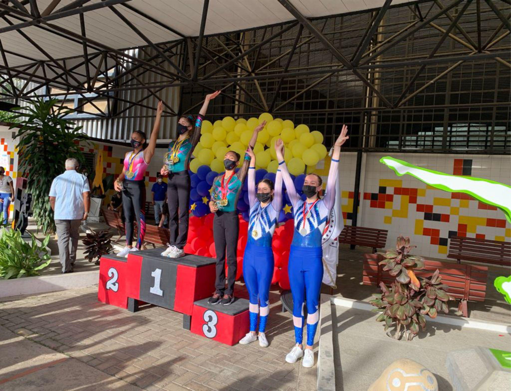 You are currently viewing Gimnastas del Centro Italiano Venezolano de Caracas brillan en el Campeonato Nacional Interclubes